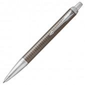 Ручка шариковая Parker IM Premium Dark Espresso Chiselled CT с гравировкой 1931683