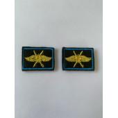 Эмблема петличная оливка кант голубой выш. жёлтая ВКС