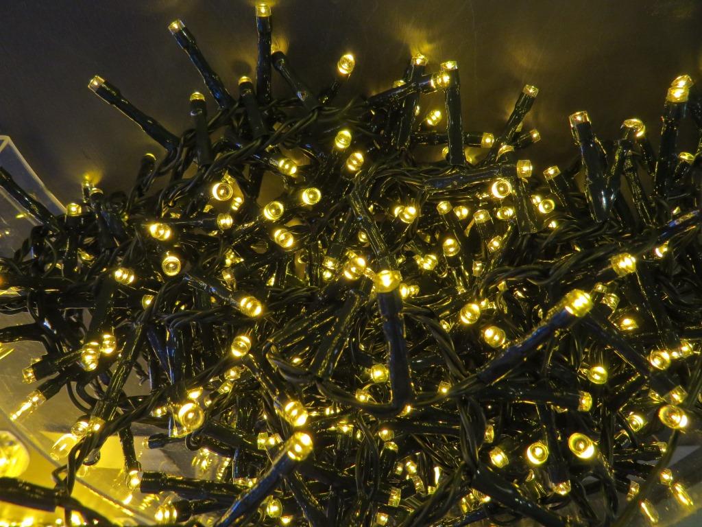 Купить Светодиодная гирлянда (теплый свет)Triumph Tree 83074 для улицы и дома 740 см