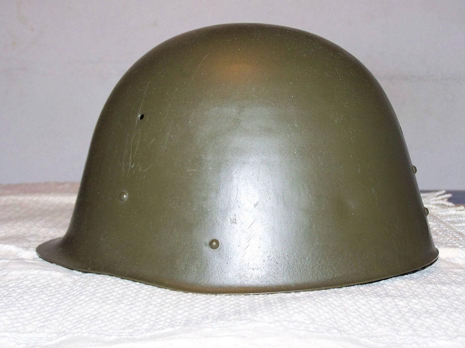 Военные стальные каски первой половины XX