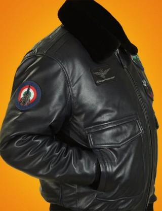 cf3f6e9de05 Большая часть лётных курток А-2 выпускалась из лошадиной кожи
